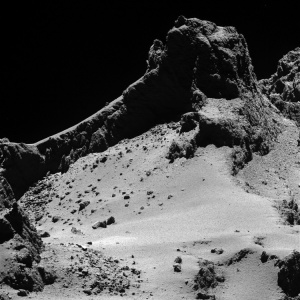 rosetta-s-comet-reveals-it-is-full-of-surprises_1421955557